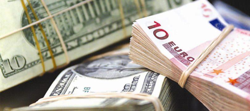Immagine Euro Dollaro: Cosa Succederà Dopo la Fine del Quantitative Easing