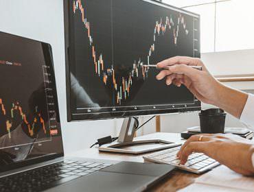 Immagine Swing Trading vs Scalping: le 2 Strategie a Confronto